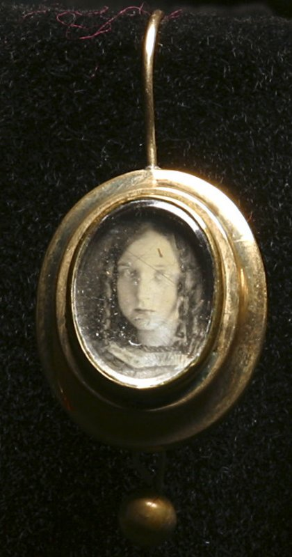 Earring (Portrait of a girl)