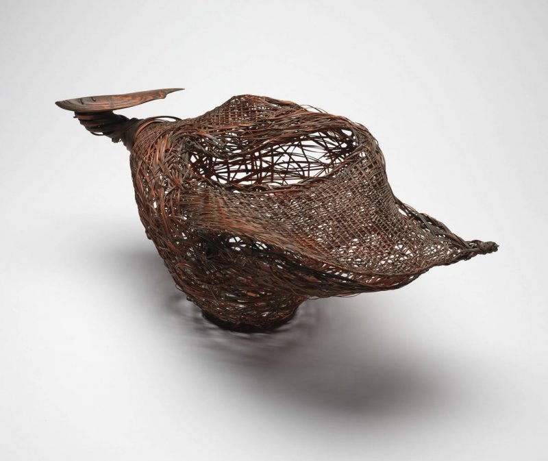 Bird I (oyster form basket)