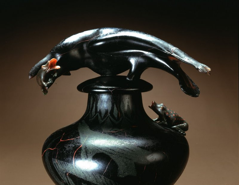 Jar with Raven and Frogs