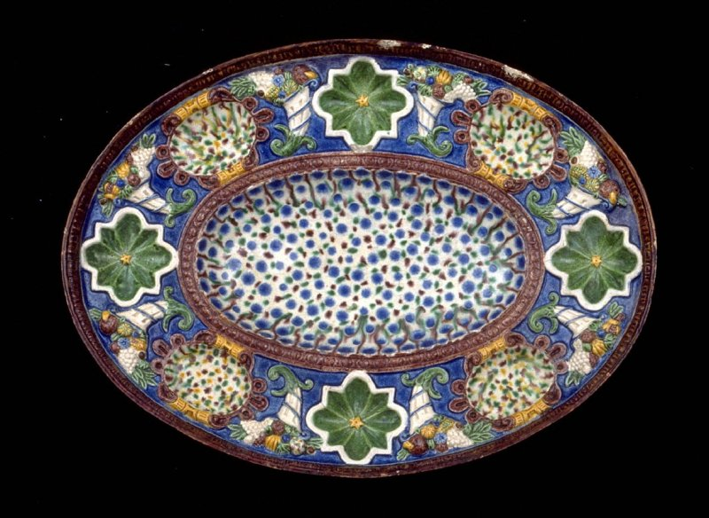 Flower and shell decorated plate