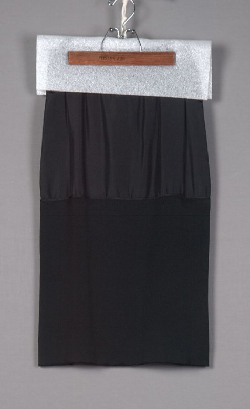 Underskirt (worn with 1985.44.285a)