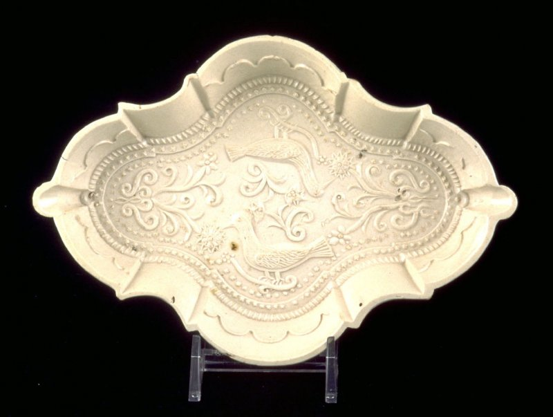 Spoon tray embossed with birds and flowers