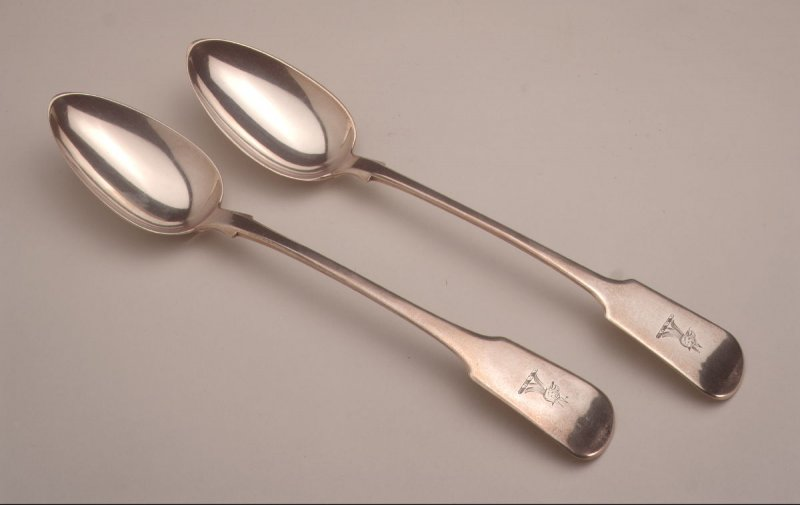 Dressing spoon