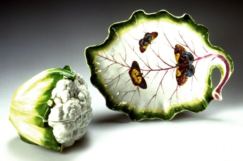 Cauliflower Tureen, Cover and Stand