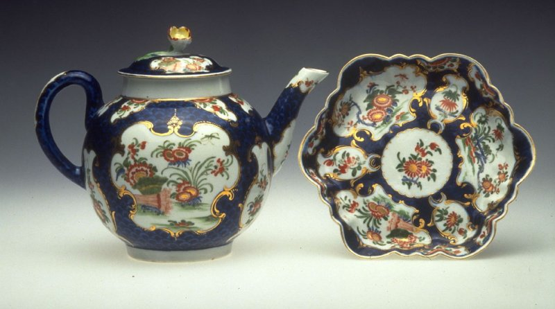Teapot, lid (goes with 1991.40.44c)