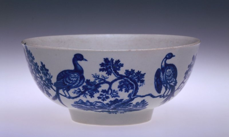 Waste bowl with exotic birds